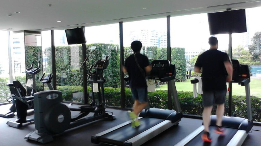 Two bedroom condo for rent in Asoke - Gym