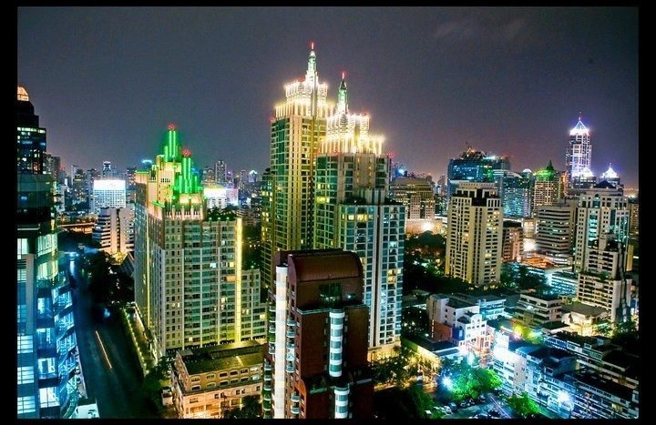 Two bed condo for rent in Chidlom - Night view