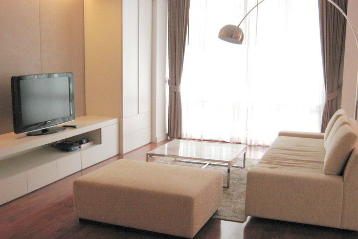 Two bed condo for rent in Asoke - Living toom