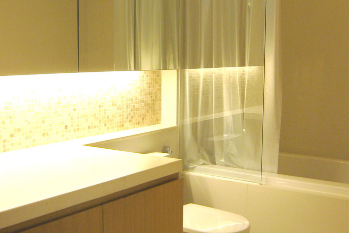 Two bed condo for rent in Asoke - Master bathroom