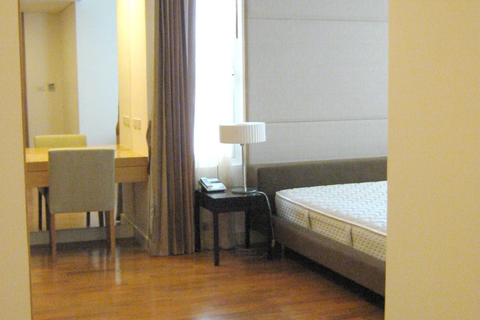 Two bed condo for rent in Asoke - Master br