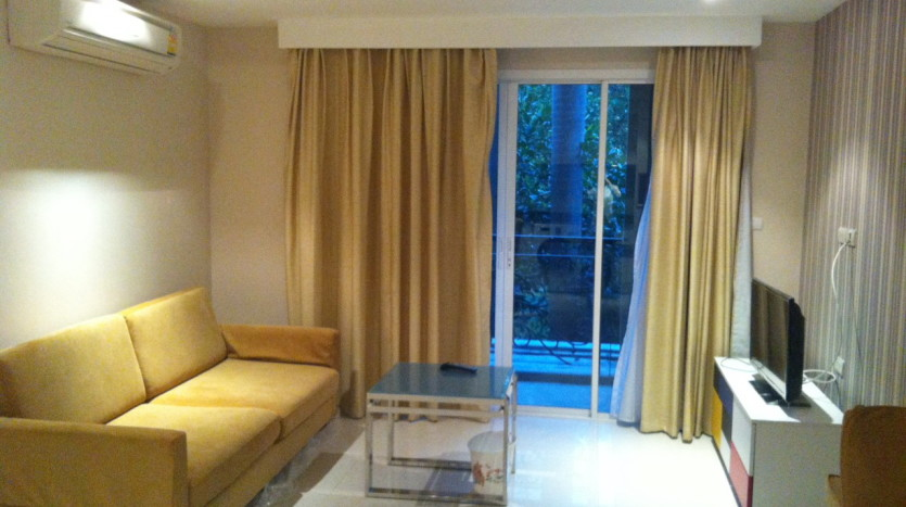 Two bed for rent in Ekkamai - Living Room