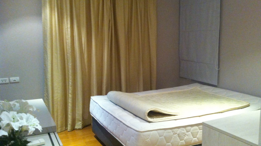 Two bed for rent in Ekkamai - Bedroom2