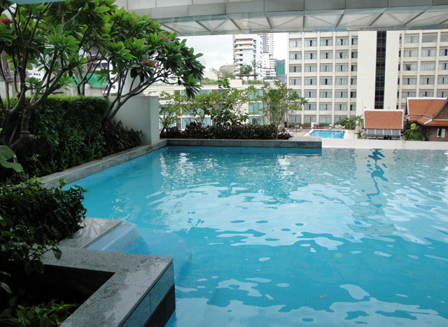 One bedroom condo for rent in Phrom Phong - Pool