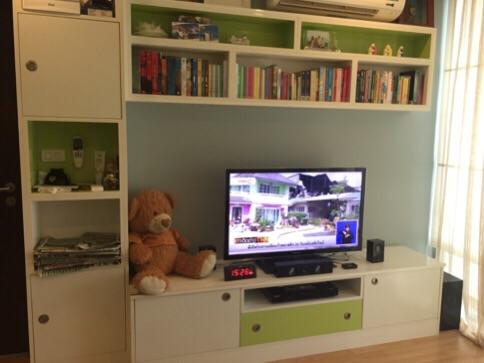 One bedroom condo for rent in Phrakanong -TV