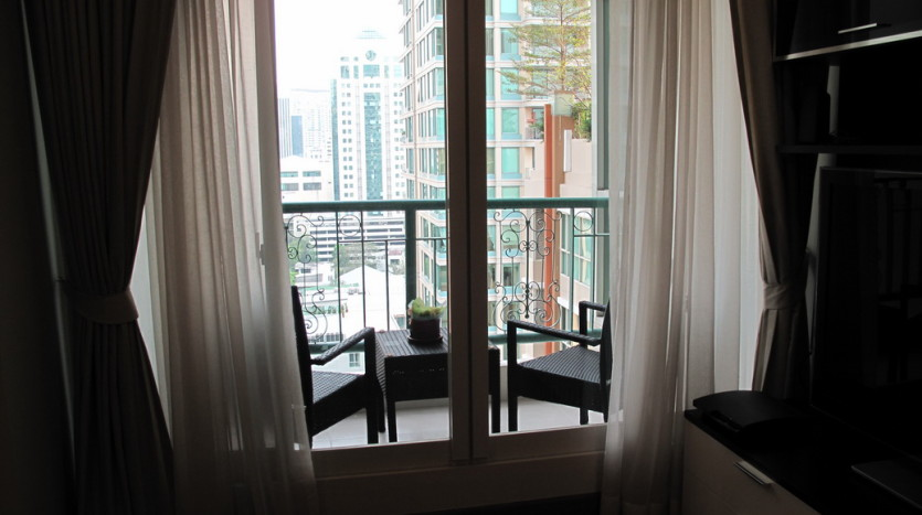 One bed for rent in Chidlom - Balcony
