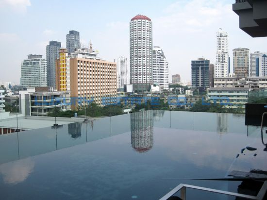 One bed condo for rent in Thong Lo - Swimming pool