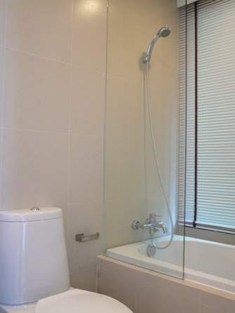 Two bed condo for rent in Thong Lo - Bathroom
