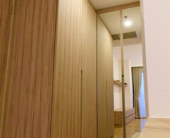 One bed condo for rent in Ari - Wardrobe