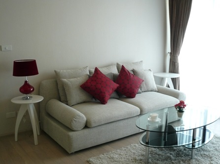 Two bed condo for rent in Thong Lo - Sofa
