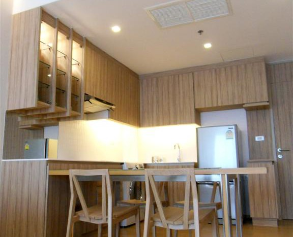One bed condo for rent in Ari - Dining