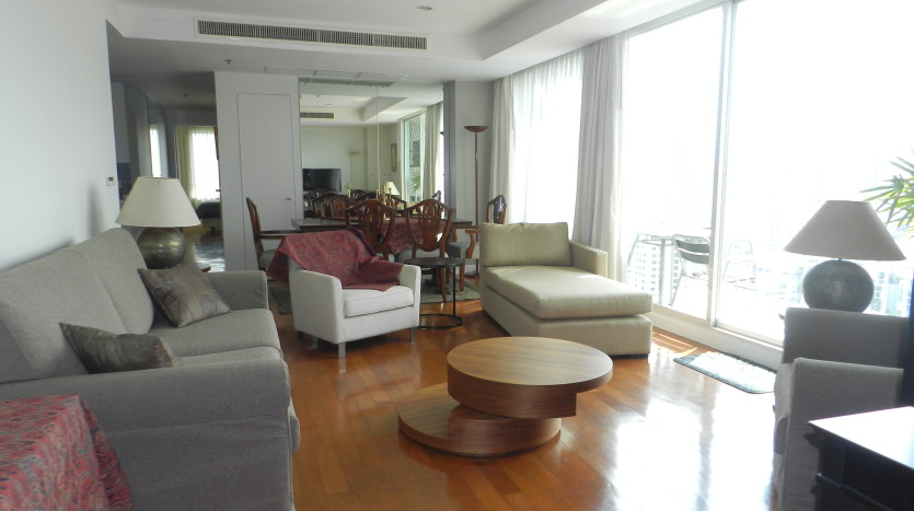Three bedroom condo for rent in Phrom Phong - Living room