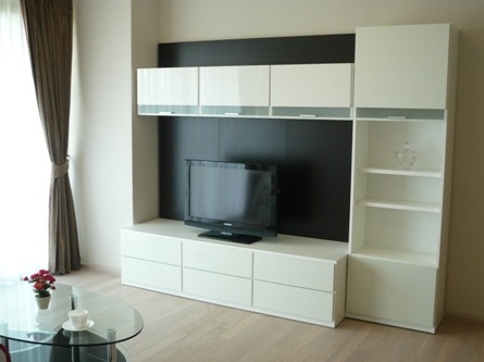 Two bed condo for rent in Thong Lo - TV