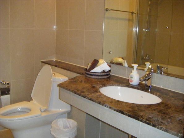 One bedroom condo for rent in Nana - Bathroom