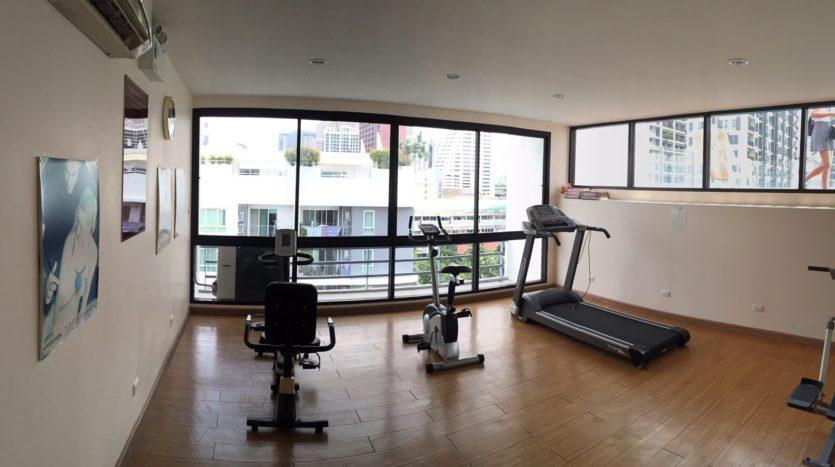 One bedroom condo for rent in Ari - Fitness Room