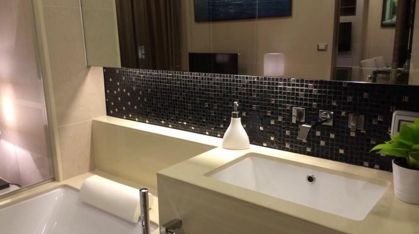 Two bedroom condo for rent in Sathorn - En-Suite