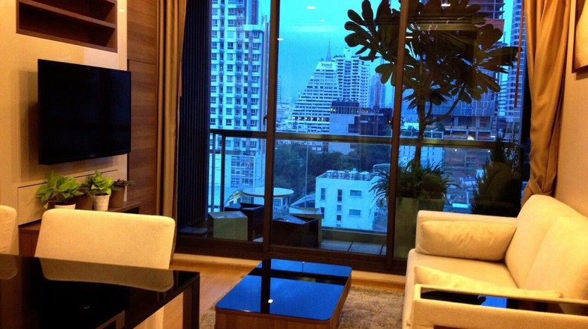Two bedroom condo for rent in Sathorn - Living room