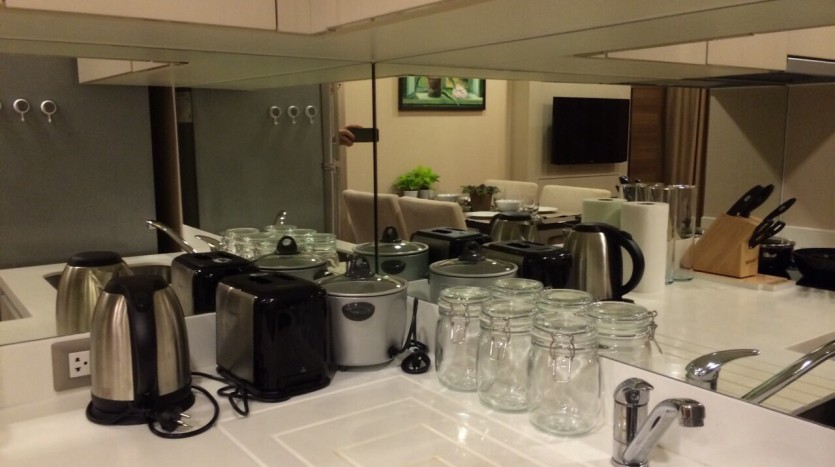 Two bedroom condo for rent in Sathorn - Kitchen