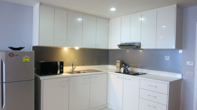 Two bed condo for rent in Phrom Phong - Kitchen two
