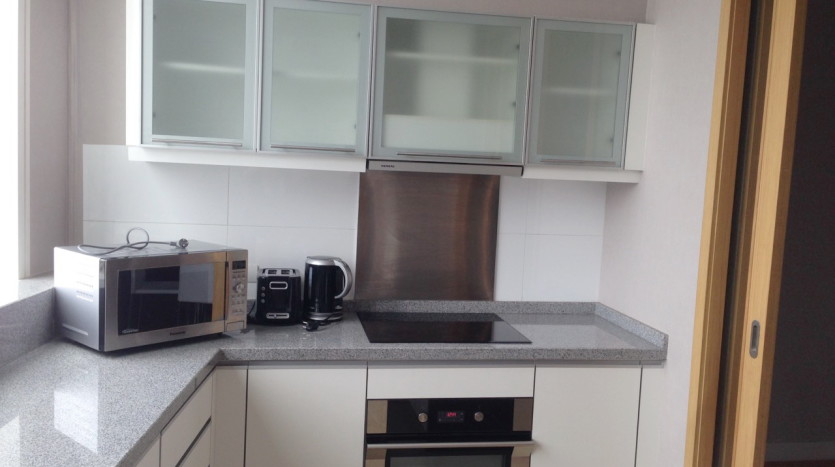 Three bed condo for rent in Asoke - Kitchen