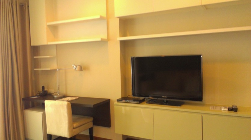 One bed condo for rent in Thong Lo - TV