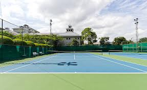 Four bedroom condo for rent in Ekkamai - Tennis court