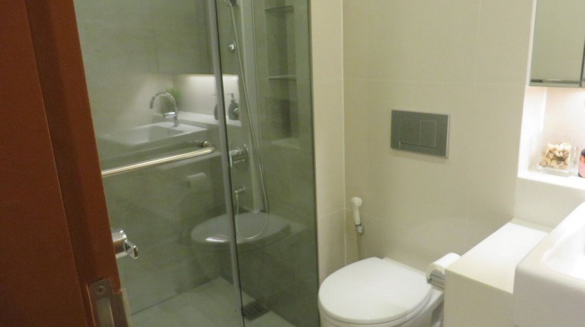 Two bed condo for rent at Thonglor - Bathroom