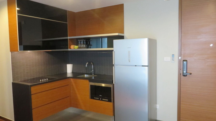 Two bed condo for rent at Thonglor - Kitchen