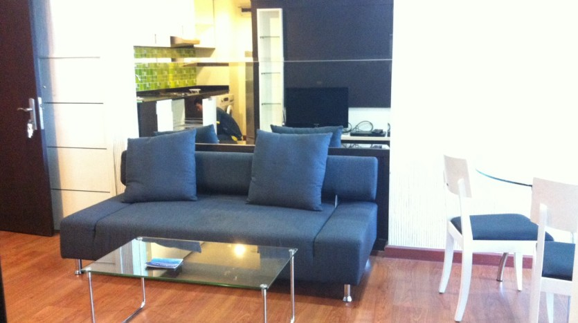 One bed condo for rent at Ekkamai - Sofa