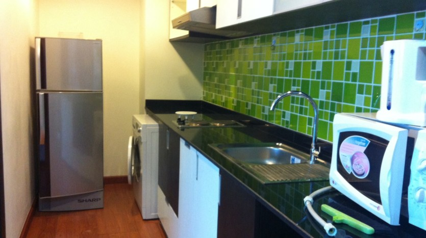 One bed condo for rent at Ekkamai - Kitchen