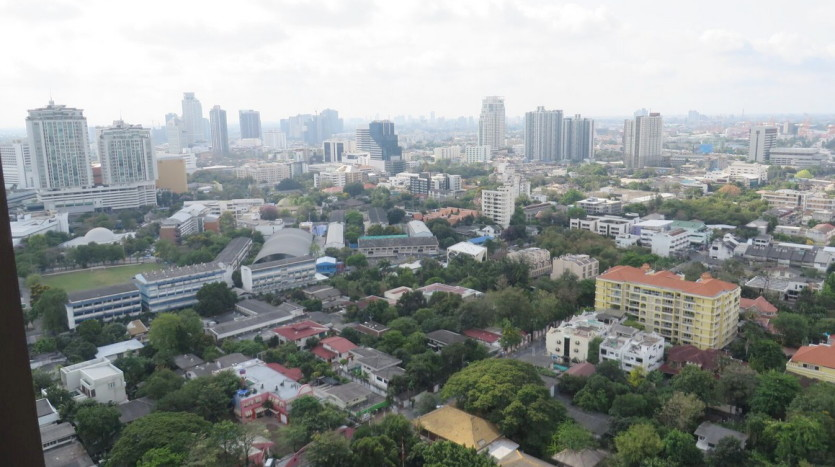 Two bed condo for rent at Thonglor -  City view