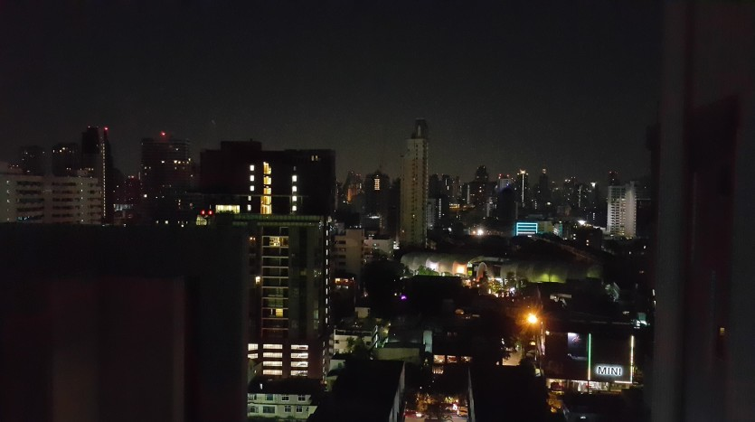 One bed condo for sale in Ekkamai - Night time view
