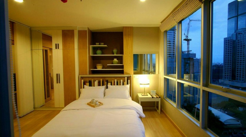 One bed condo for rent at Sathon - Bedroom