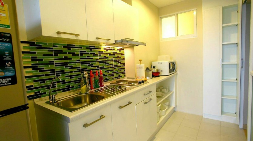 One bed condo for rent at Sathon - Kitchen