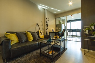 One bed for rent at Sathon - Sofa