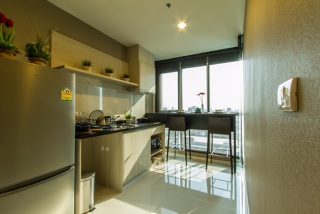One bed for rent at Sathon - Kitchen