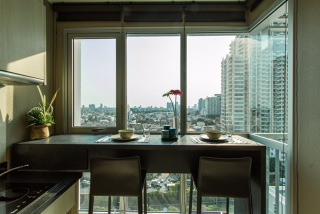 One bed for rent at Sathon - Dining