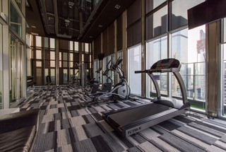 One bed for rent at Sathon - Gym