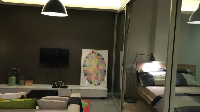 Two bed condo for rent in Ari - Living area/Bedroom