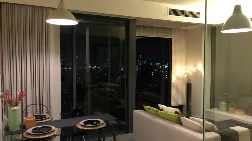 Two bed condo for rent in Ari - Living area/Dining