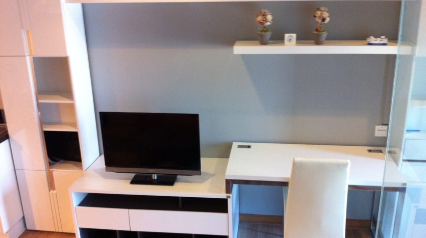 One bedroom condo available for rent in Siam - TV Cabinet