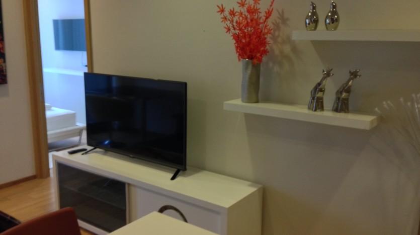 One bedroom condo for rent in Nana - TV