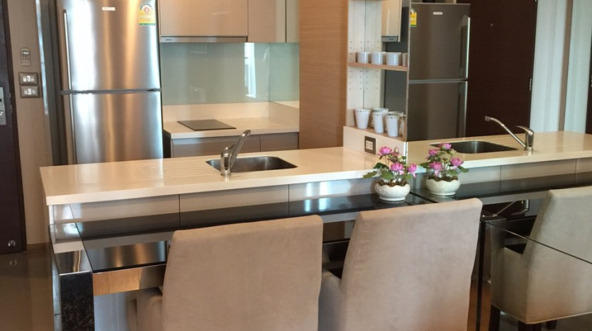 One bedroom condo for rent in Asoke - Breakfast bar