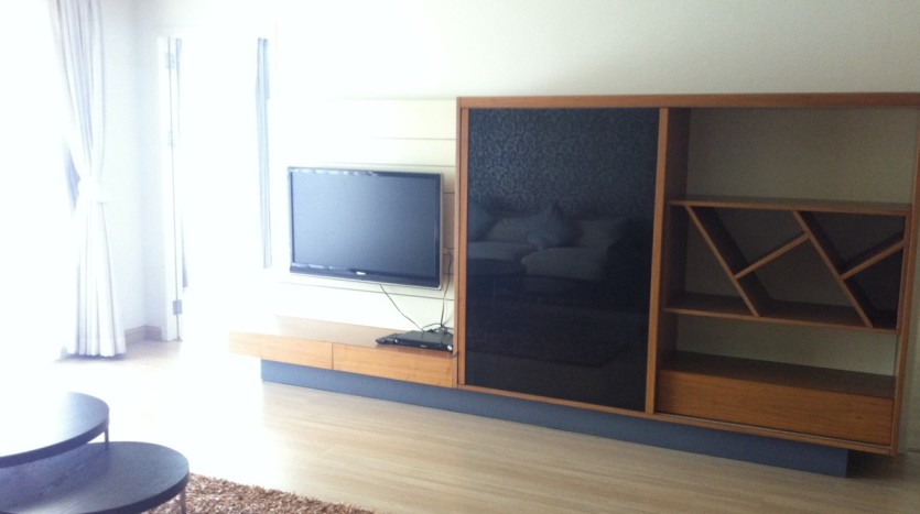 Three bed condo for rent in PhromPhong - Dining