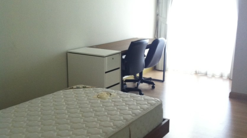 Three bed condo for rent in PhromPhong - 2nd bedroom