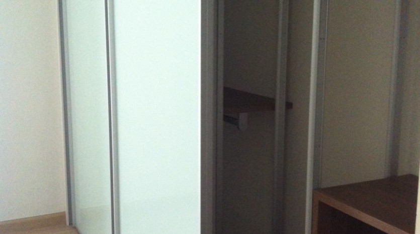 Three bed condo for rent in PhromPhong - Wardrobe in 2nd Bedroom