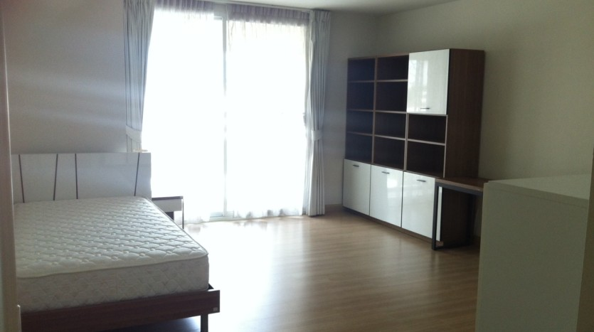 Three bed condo for rent in PhromPhong - 3rd bedroom