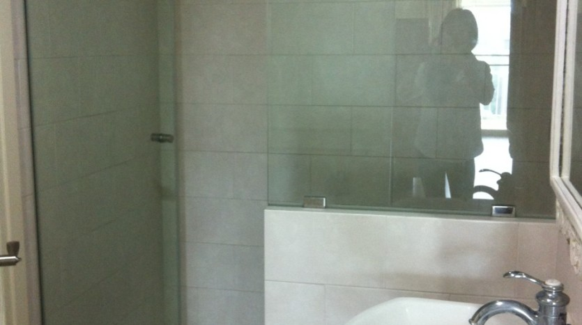 Three bed condo for rent in PhromPhong - Bathroom