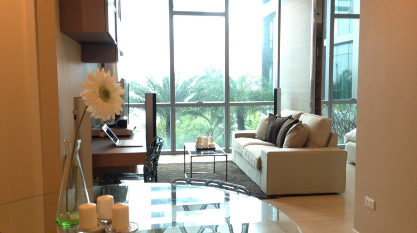 One bed for rent at Asoke - Living room