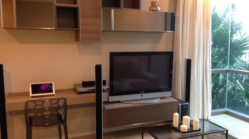 One bed for rent at Asoke - TV